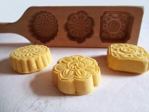 Moon-Cake-Making-Molds-Traditional-Chinese-Wooden-Molds-Fish-Peach-Flower-Lotus-Pattern-Mold