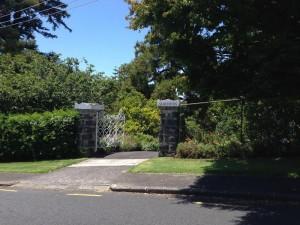 alberton-gate